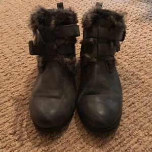 Gray booties with fur!